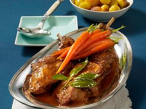 Kaninchen in Rotweinsoße Rezept