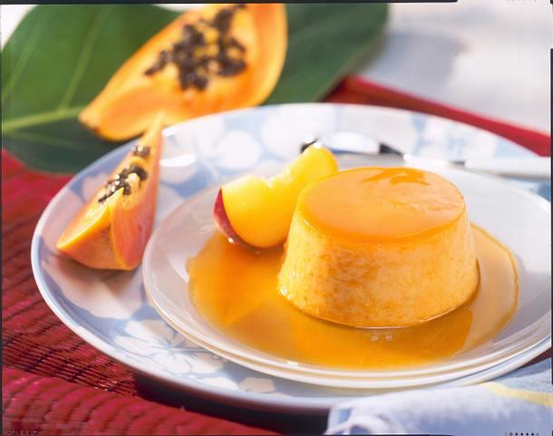 Karibischer Papaya-Pfirsich-Flan Rezept