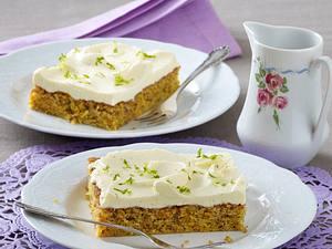 Karotten-Nuss-Kuchen mit Vanille-Frosting Rezept