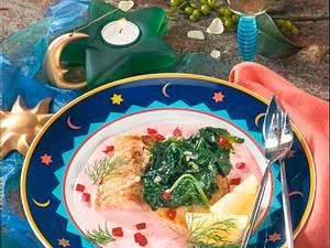 Karpfenfilet auf rote Bete-Sahnesoße mit Blattspinat Rezept