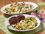 Kartoffel-Apfel-Salat mit Frikadellen Rezept