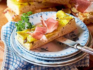 Kartoffel-Focaccia mit Meerrettichschmand Rezept