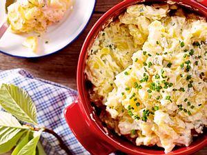 Kartoffel-Gurken-Salat mit Saure-Sahne-Soße Rezept-F8565501