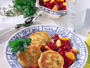 Kartoffel-Küchlein mit Kompott Rezept