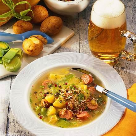 Kartoffel-Lauch-Suppe mit Würstchen Rezept