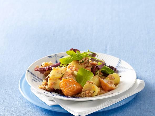 Kartoffel-Linsensalat mit Lachs Rezept