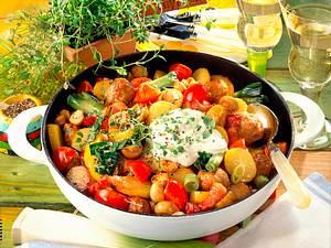 Kartoffel-Pfanne mit Wurstbällchen Rezept