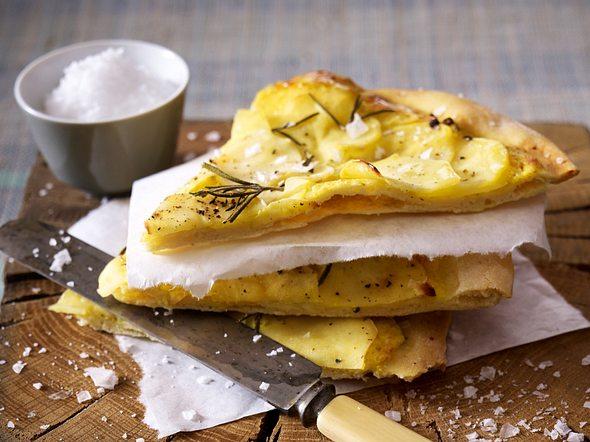 Kartoffel-Rosmarin-Pizzas Rezept