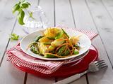 Kartoffel-Spargelsalat mit Möhren und Honig-Vinaigrette Rezept