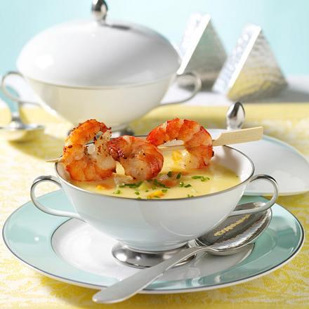 Kartoffelcreme-Suppe mit Garnelenspieß Rezept
