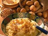 Kartoffelpüree mit Zwiebelringen Rezept