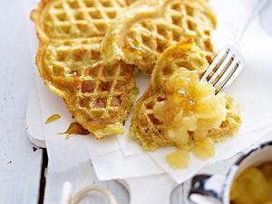 Kartoffelpuffer-Waffeln mit Apfelkompott Rezept