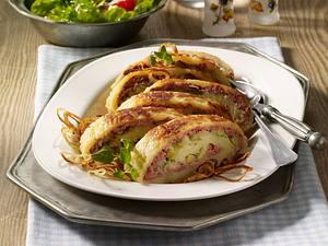Kartoffelrolle mit Apfel-Leberwurst-Füllung Rezept
