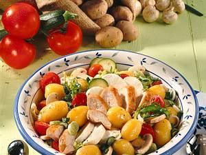 Kartoffelsalat mit Hähnchenbrust Rezept