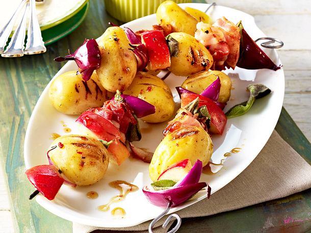 Kartoffelspieße mit Äpfeln und Bacon Rezept
