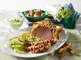 Kasseler im Blätterteig-Gitter zu Butter-Kohlrabi und Röstkartoffeln Rezept
