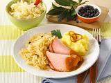 Kasseler mit Sauerkraut und Kartoffelpüree Rezept