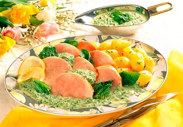 Kasseler mit Spinatsoße, Kartoffeln und Lauchzwiebeln Rezept