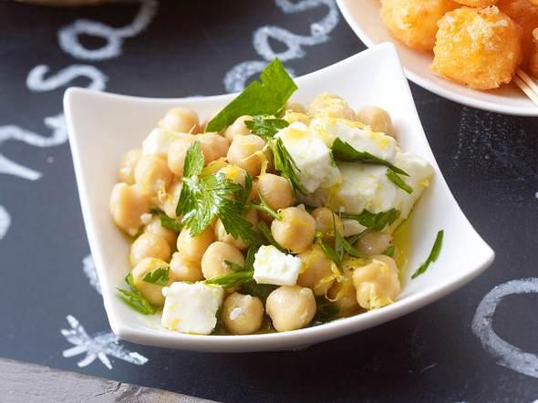 Kichererbsen-Schafskäse-Salat Rezept