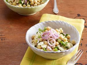 Kichererbsensalat mit Feta, Koriander und Lauchzwiebeln Rezept