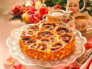 Kirsch-Schneckenkuchen Rezept