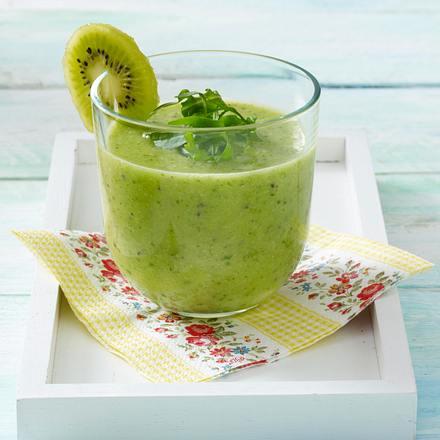 kiwi bananen smoothie rezept lecker. Black Bedroom Furniture Sets. Home Design Ideas