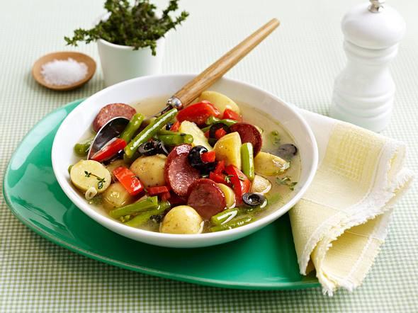 Klare Kartoffelsuppe mit Cabanossi Rezept