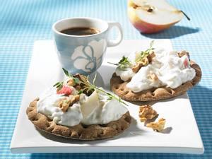 Knäckebrot mit Gorgonzola-Birnen-Quark Rezept