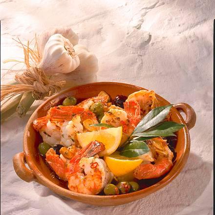 Knoblauch-Garnelen mit Oliven Rezept