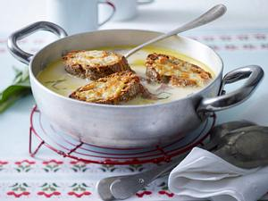 Knoblauchsuppe - Aigo boulido mit Salbei und Brot Rezept