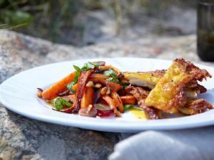Knusprige Hähnchen mit Limonen-Möhren-Traubensalat Rezept