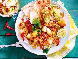 Knuspriges Fischcurry mit Gurkensalat Rezept