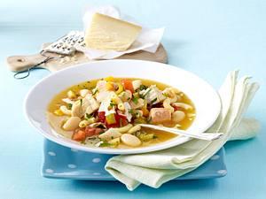 Kochschule: Minestrone mit Fisch Rezept