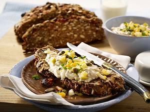 Körner-Tomaten-Brot dazu Thunfischcreme Rezept