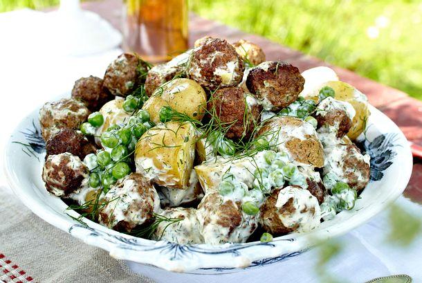 Köttbullar-Kartoffelsalat Rezept