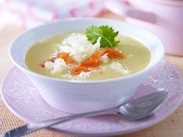 Kohlrabi-Cremesuppe mit Räucherlachs Rezept