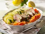 Kohlrabi-Möhren-Gratin mit Schweinefilet und Basilikum-Zitronen-Butter Rezept