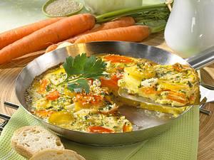Kohlrabi-Möhren-Tortilla mit Petersilien-Eiermilch und Sesam Rezept
