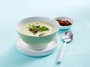 Kohlrabi-Zucchini-Suppe mit Vollkorn-Croutons Rezept