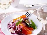 Kohlsalat mit selbstgebeiztem Lachs und Blattsalat Rezept
