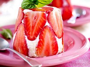 Kokoscreme mit Erdbeeren Rezept