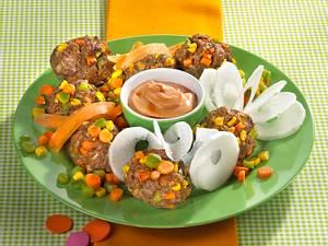 Konfetti-Burger mit Möhrenschlangen Rezept