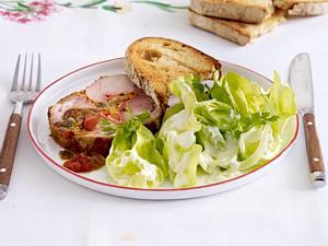 Kopfsalat mit süßem Schmand-Dressing und Spießbraten Rezept
