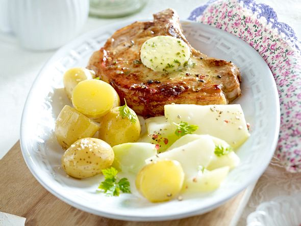Kotelett mit Kohlrabi in Zitronensoße und neuen Kartoffeln Rezept