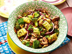 Kräutergnocchi mit Brokkoli-Pilz-Gemüse Rezept-F8483103