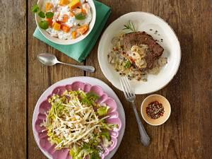 Krabben-Eier-Salat auf Endivie Rezept