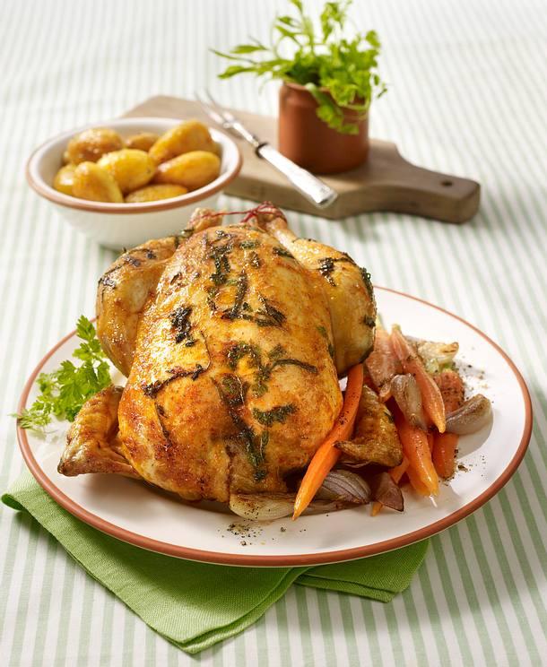 Kräuter-Hähnchen mit Röstkartoffeln und Schalotten-Möhren-Gemüse Rezept