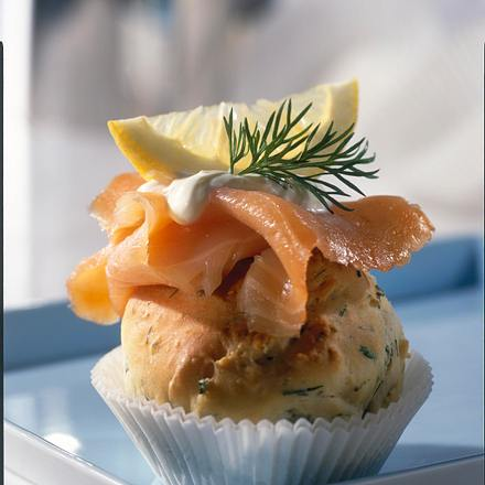 Kräuter-Muffins mit Lachs Rezept