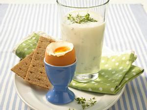Kresse-Buttermilchdrink zu wachsweichem Ei Rezept