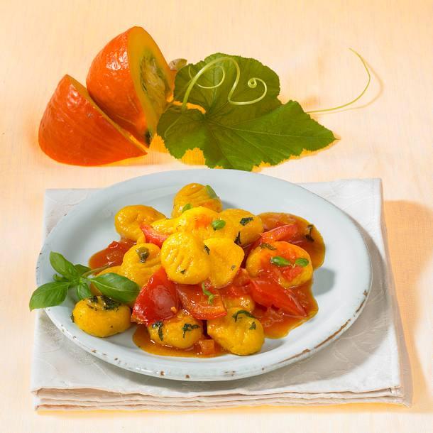 Kürbis-Gnocchi mit Tomatensoße Rezept